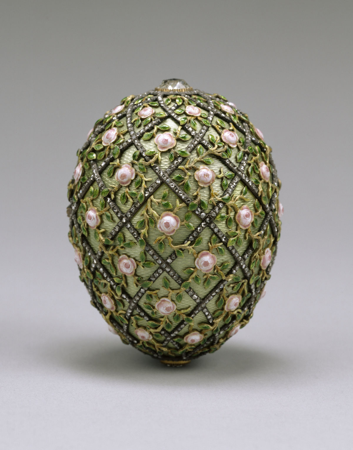 1200px House of Fabergé Rose Trellis Egg Walters 44501